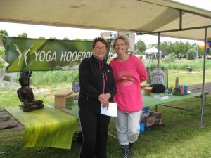 Yoga Hoofddorp Els en Rianne bij de stand 2013